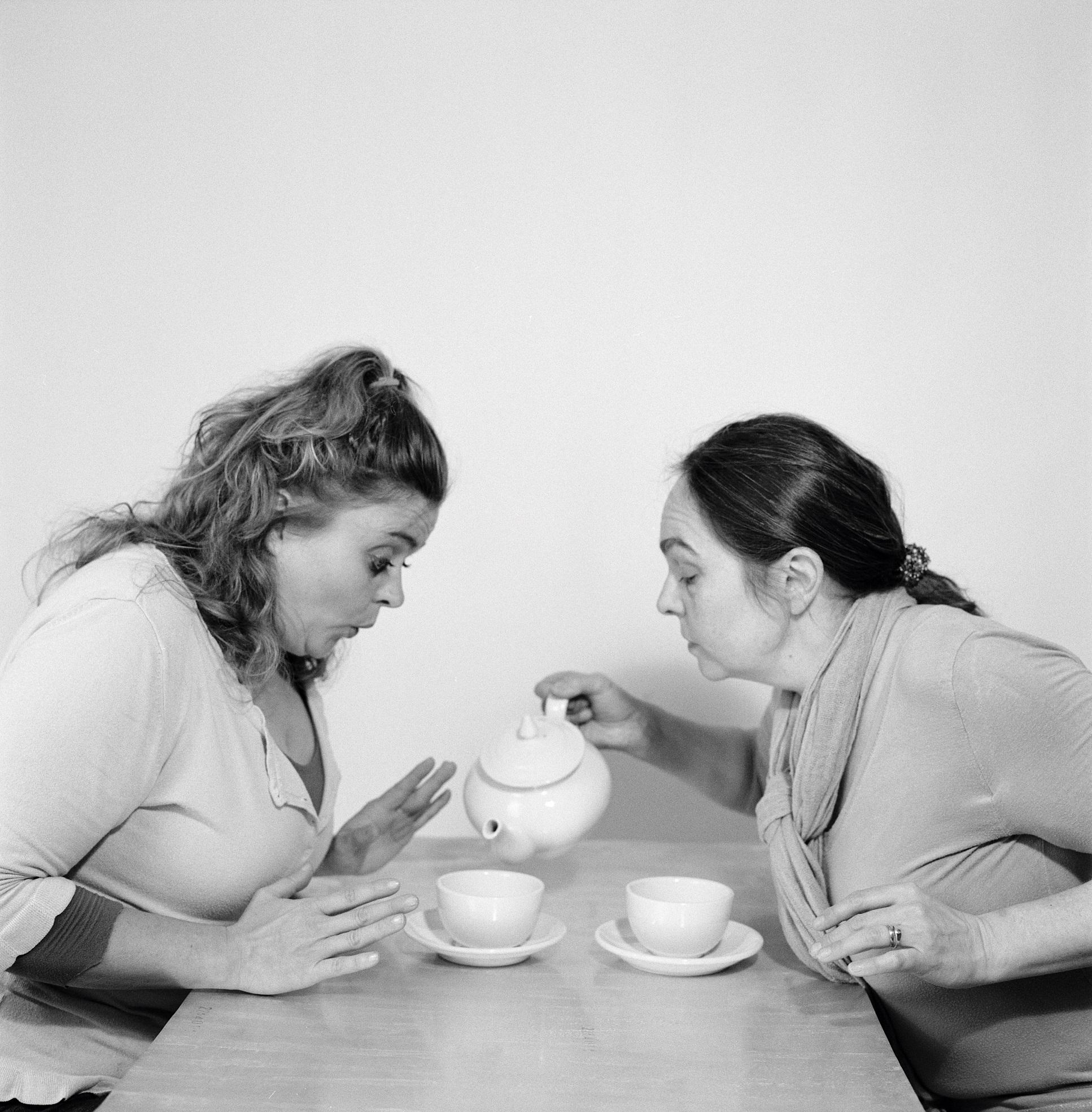 Udskudt til 12/9: Teater: Som søstre vi dele (4-10 år)